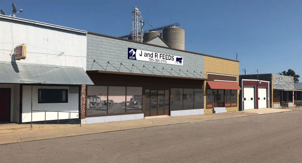 J&R Feeds was one of eight summer projects that were part of the Downtown Design Assistance Program. The goal of the program is to work with property owners and develop plans to improve their exterior and/or interior spaces. The proposed improvements for the J&R Feeds building are shown below.