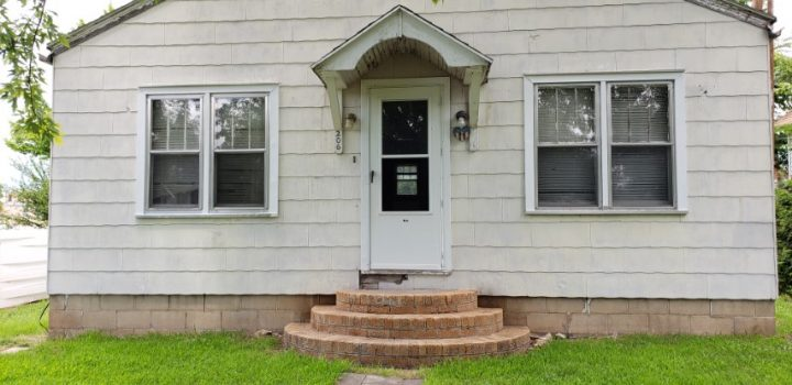 For Sale By Owner - 206 E Yauger Street, Lincoln, KS - 2 bedroom house with central air and basement, shed in back yard - $15,000