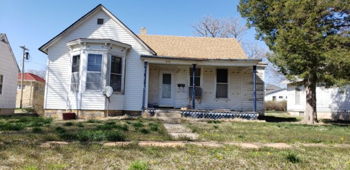 For Sale By Owner - 212 E Yauger Street, Lincoln, KS - 3 bedroom house with central air and basement, shed - $12,000