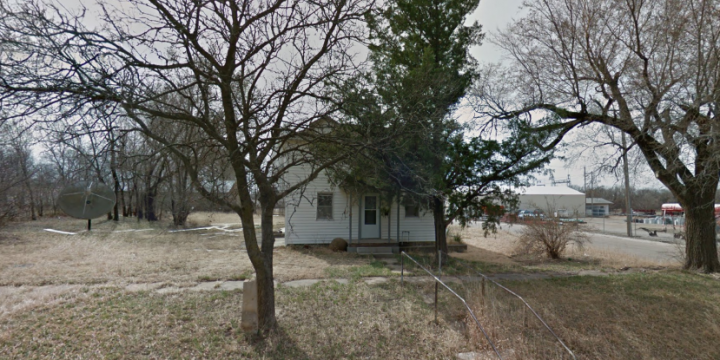 For Sale By Owner - 323 W Yauger Street, Lincoln, KS - 3 bedroom house - $10,000