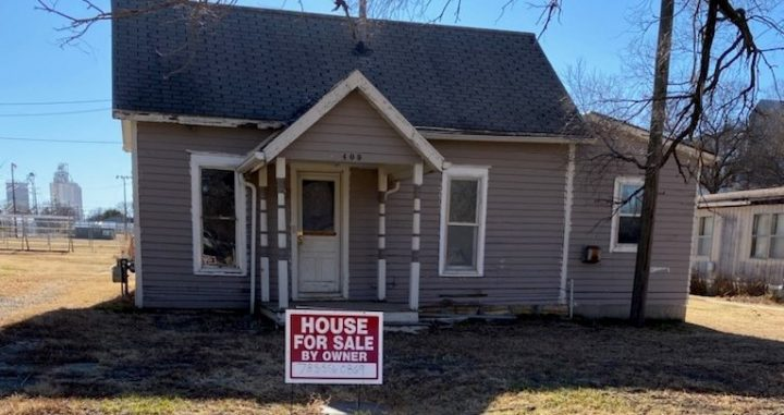 For Sale By Owner - 409 W School Street, Lincoln, KS - 1 bedroom house - $8,000