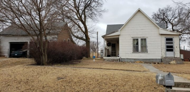 For Sale By Owner - 514-516 S 3rd Street, Lincoln, KS - 1 bedroom house being sold with adjacent lot that has a garage - $17,000